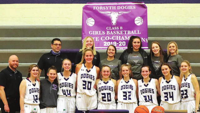 Lady Dogies kick off title defense with win